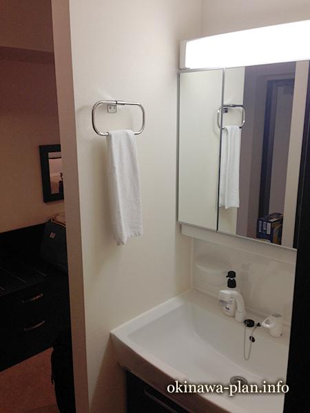 コンドミニアムホテル モンパは独立洗面所