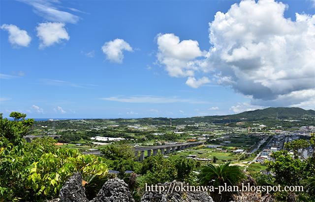 沖縄本島の史跡めぐり(伊波グスクから東シナ海までの絶景/うるま市石川伊波)