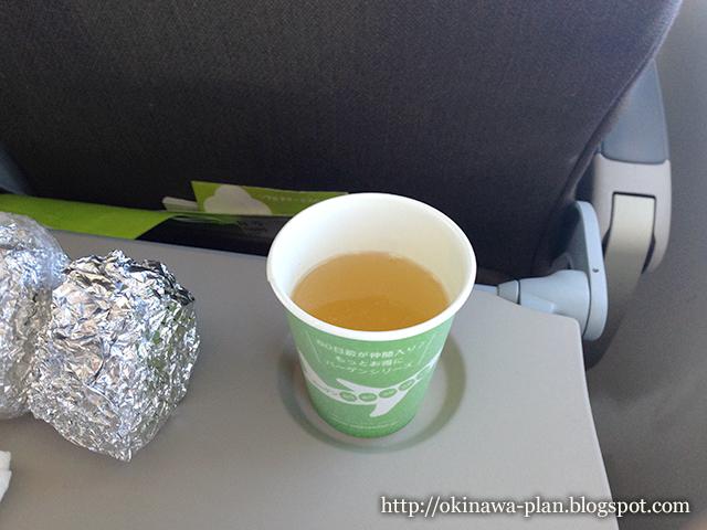 1月末の沖縄旅行-ソラシドエアの機内サービス