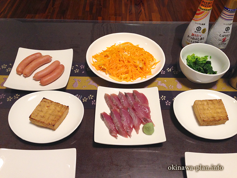 沖縄自炊料理(にんじんシリシリー・春菊のお浸し)