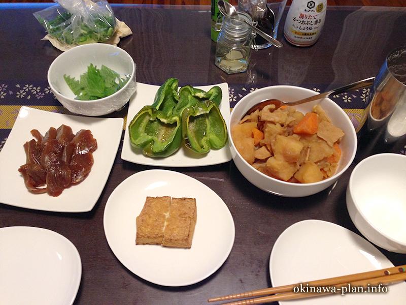沖縄自炊料理(漬けカツオ、肉じゃが)