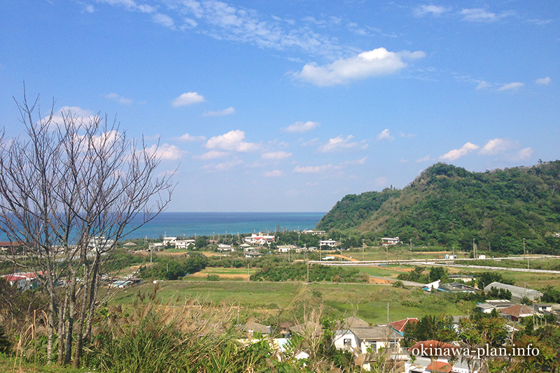沖縄本島の見晴らしがいい場所(喜如嘉共同店裏の丘/大宜味村)
