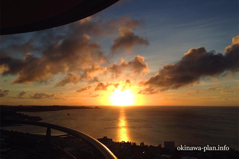 沖縄で見た夕日