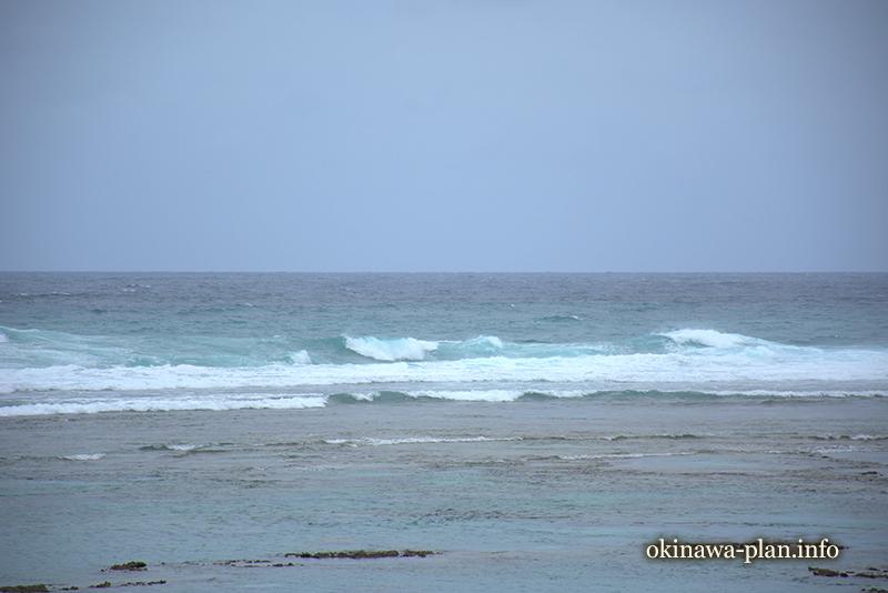 台風接近前の沖縄の海(2017年9月)