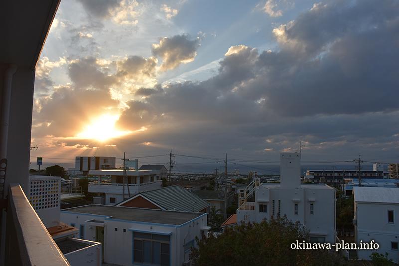 12月の沖縄の天気(2016年12月30日17:24沖縄県中頭郡読谷村付近)