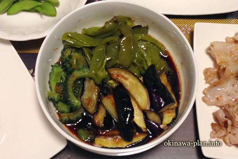沖縄で作った自炊メニュー(夏野菜の揚げびたし風)