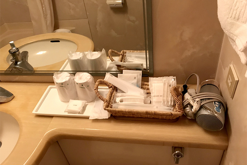 琉球サンロイヤルホテルツインルームのアメニティ