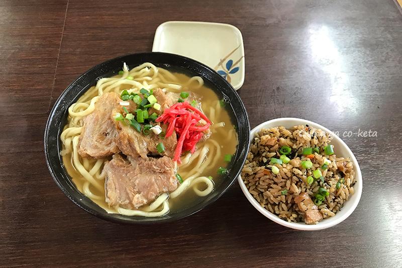 元祖ソーキそば(我部祖河食堂本店)