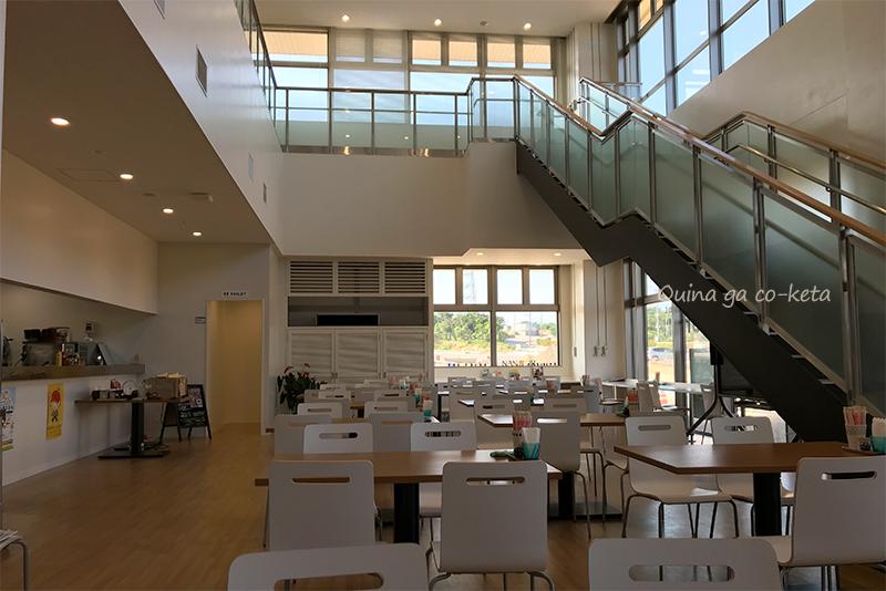 南城市役所新庁舎のレストラン「なんじぃJr.」の店内