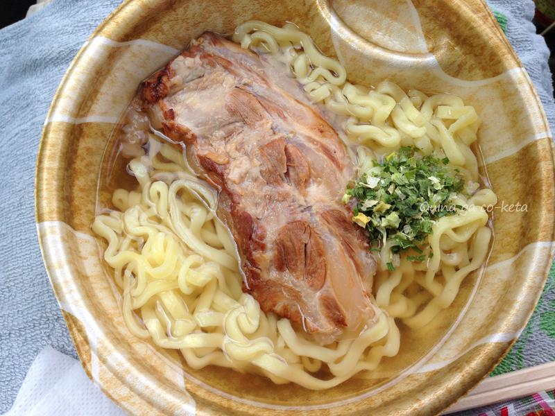 沖縄ファミマのおでんはソーキがでかい